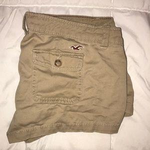 Hollister Cargo Booty Shorts